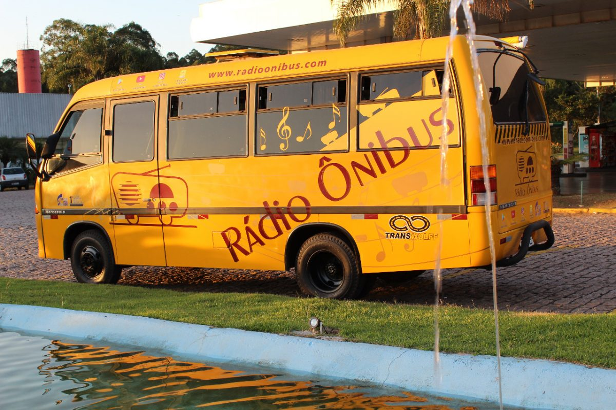 RADIO-ONIBUS-ITINERANTE-1200x800.jpg